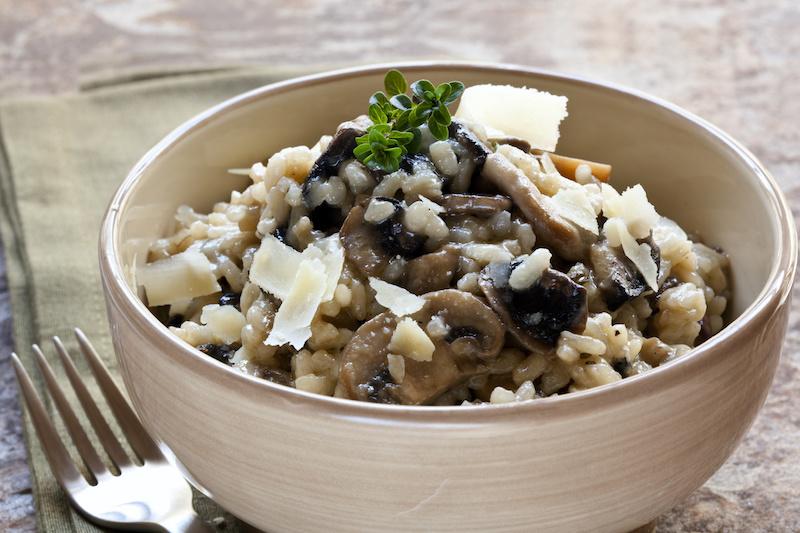 Heekfilet met Bearnaisesaus en risotto met gemengde groenten