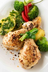 Gebraden kippenbout in jus, broccoli in tuinkruidensaus en aardappels