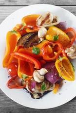 Lentewok van noedels met spinazie en runderreepjes