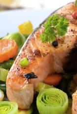 Oosterse gemarineerde zalm, rijstschotel & groente