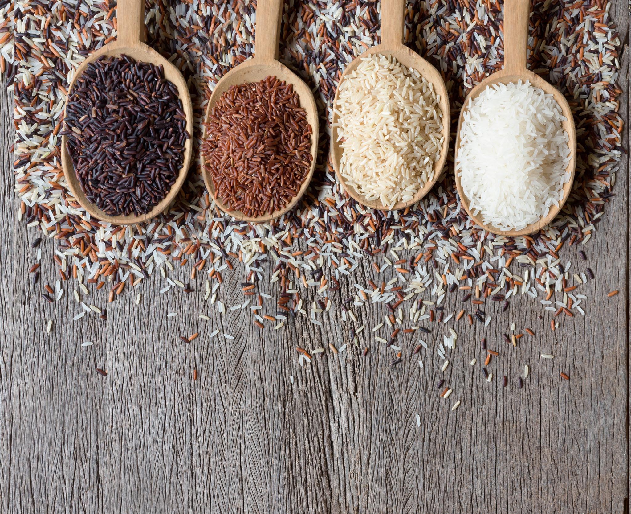 Indiase Biryani: authentiek Indiaas gerecht met rijst, kip cashewnoten & rozijnen
