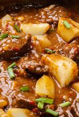 Boeuf Stroganoff met doperwten en aardappelpuree