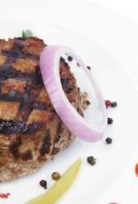 Burger met ui, gebakken aardappeltjes, worteltjes & doperwtjes (V)