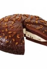 Patisserie: chocolade taart met chocolademousse, vanille crème & hazelnoot