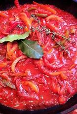 Kipfilet Spaanse piperade (gesmoorde tomaat, paprika en ui) en aardappelen