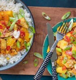 Rijstschotel met groenten, kip & mango