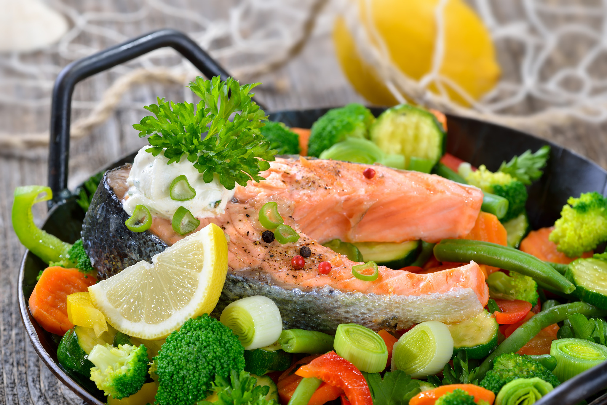 Gebakken zalm met Teriyaki saus, bimi broccoli en basmatirijst
