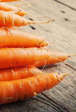 Tilapiafilet gepocheerd met hollandaise saus, worteltjes & peultjes en gekookte krielaardappels