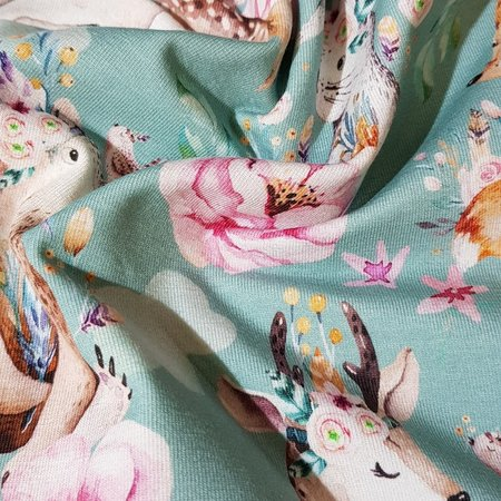 Qjutie Kids Collection Tricot stof QjuTie digitaal bedrukt touching katoen jersey 155 cm breed