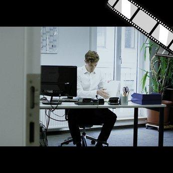 """szenisches Video """"Der E-Mail-Inhaltsverlauf """""""