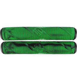 Striker Striker scooter grips zwart met groen