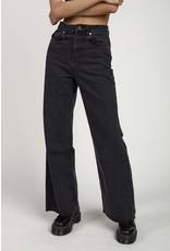 The Ragged Priest Weite Jeans in verwaschenem schwarz