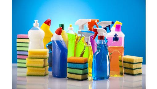 Schoonmaakmiddelen van diverse merken