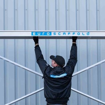 Euroscaffold Standaard smalle rolsteiger 75 x 250 x 8,2m werkhoogte