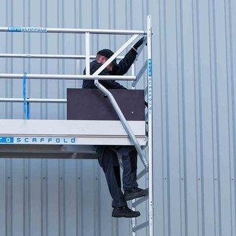 Euroscaffold Rolsteiger met dubbele voorloopleuning 135x190x7,2 meter werkhoogte