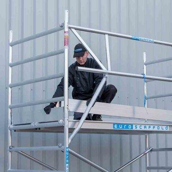 Euroscaffold Rolsteiger met dubbele voorloopleuning 135x190x12,2 meter werkhoogte