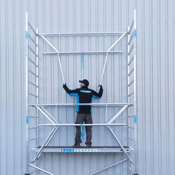 Euroscaffold Euroscaffold Rolsteiger met enkele voorloopleuning 135x305x5,2 meter werkhoogte