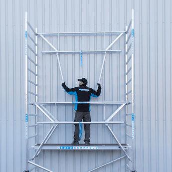 Euroscaffold Rolsteiger met enkele voorloopleuning 135x305x13,2 meter werkhoogte