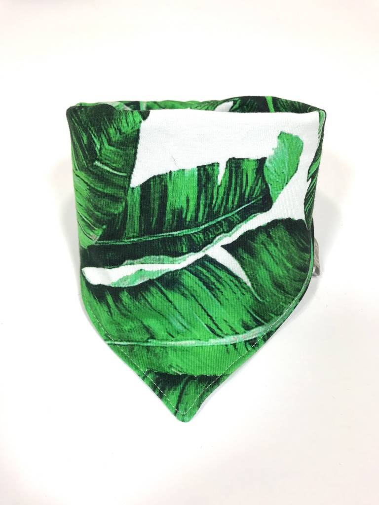 Groen-witte slab bandana met bladmotief
