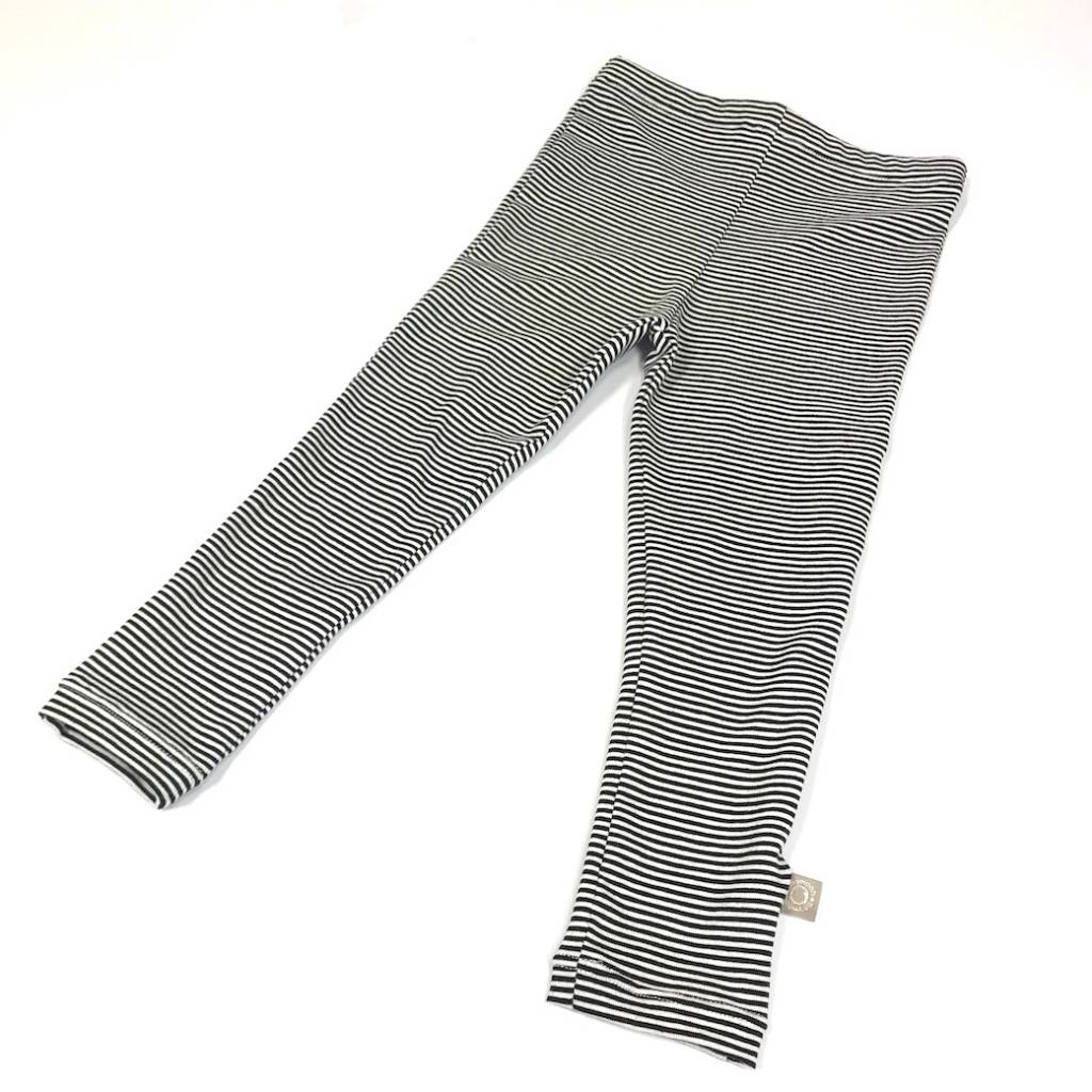 Legging met fijne zwart-witte streep