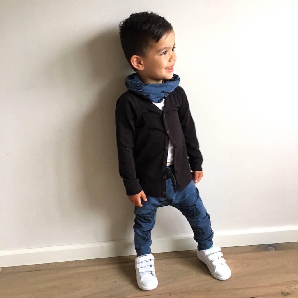 Baggy jeansblauw broekje met tijgerprint