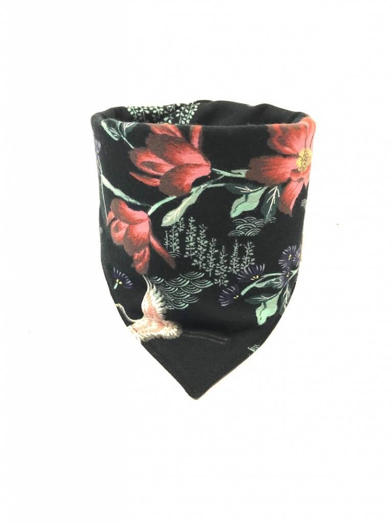 Zwarte slab bandana met oosterse bloemen