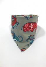 Grijze slab bandana sjaal met dieren en letters