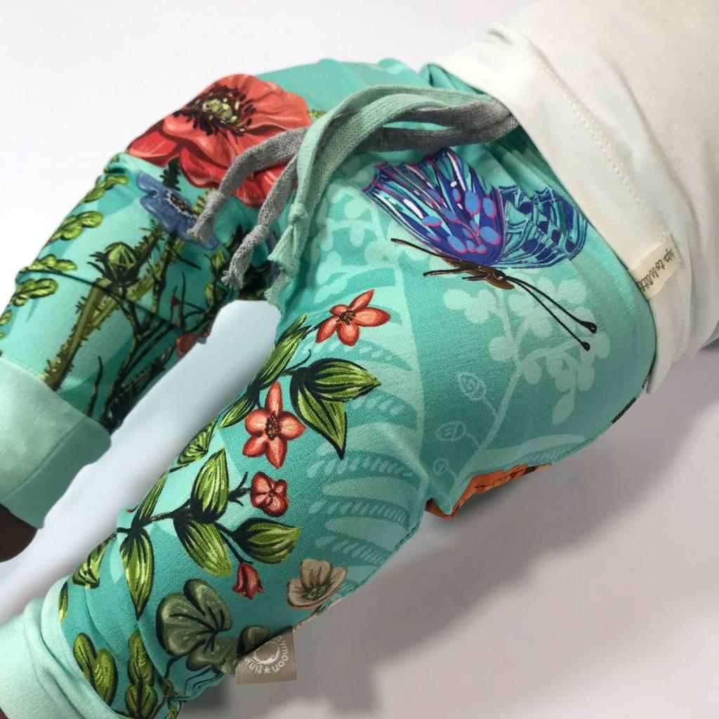 Baggy broekje met libellen en bloemen