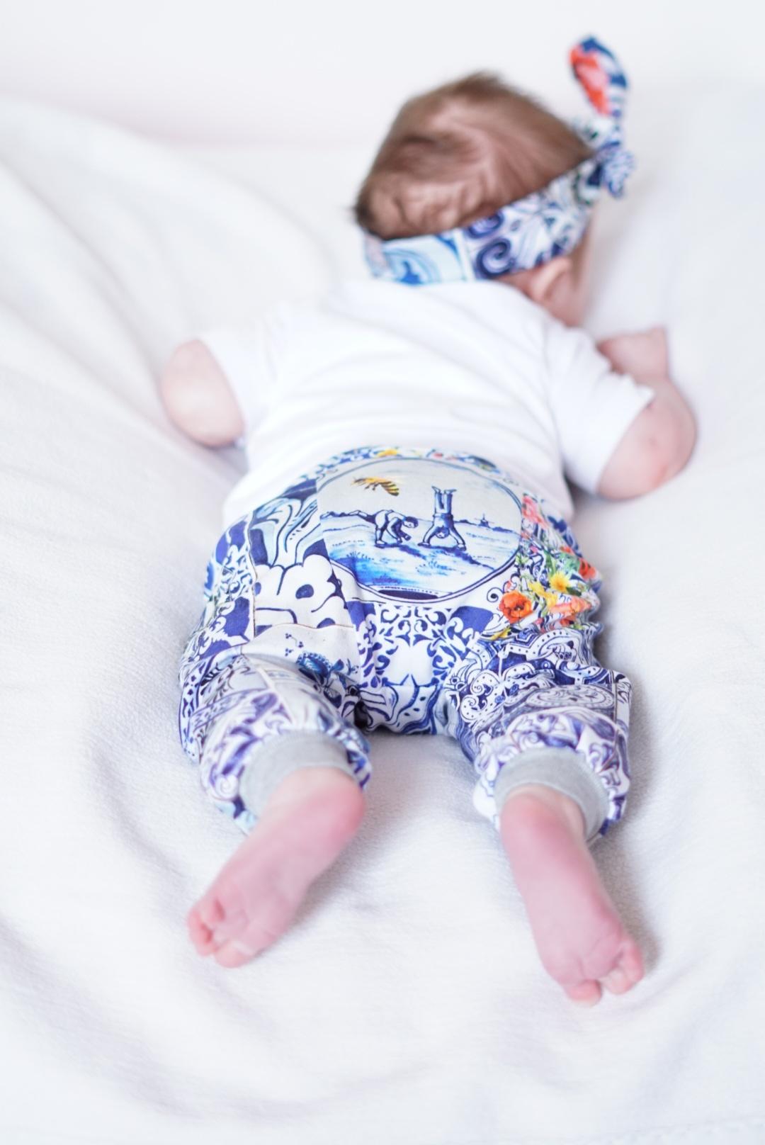 Newborn mutsje met Delfts Blauwe print