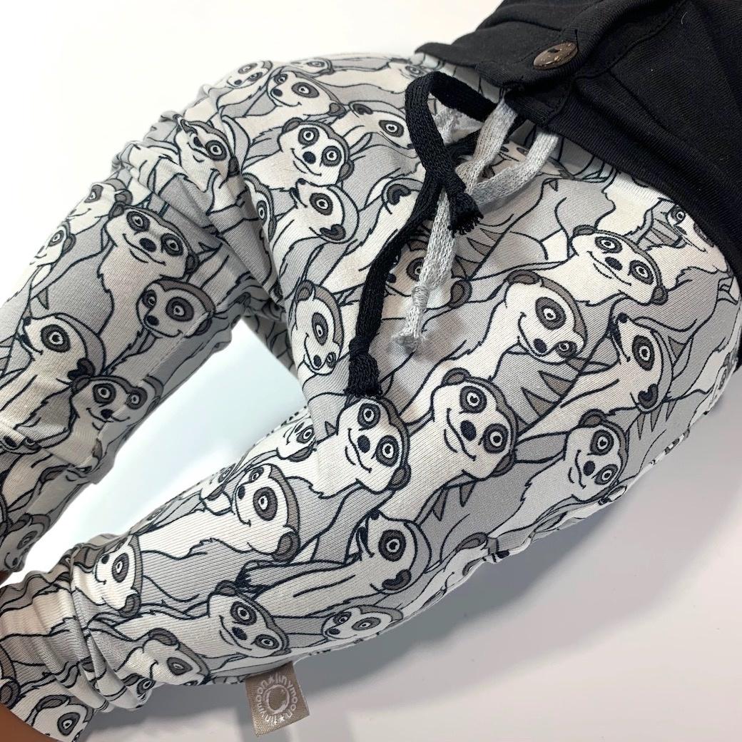 Baggy broekje met stokstaartjes