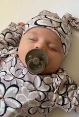 Frangi Pani roze / newborn mutsje knoop / mutsje