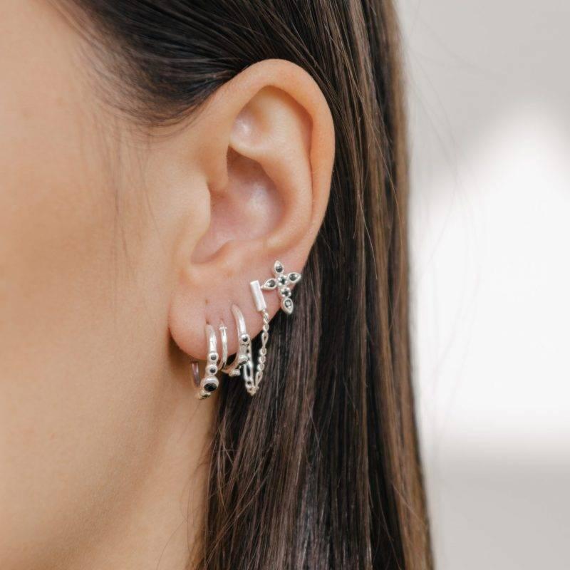 Eline Rosina Eline Rosina oorbellen - Five stoned black zirconia hoops in sterling silver
