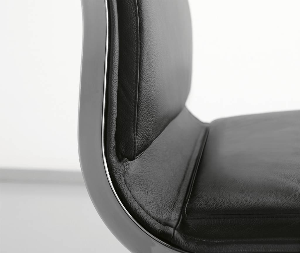 LUXY LOW NULITE SOFT BUREAUSTOEL 28090 Design Luxy R&D - Copy