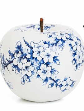 Apple figurine blossom