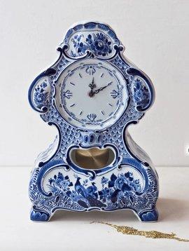 Pendulum clock delft blue