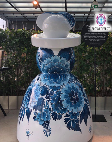 Large garden statues Mary Flower - H165 cm