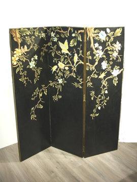 Black folding screen Sakura
