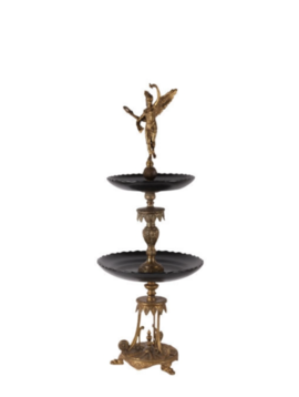Black cake stand Le Louvre