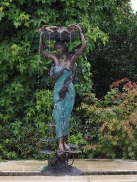 Gartenbrunnen The Water Lady