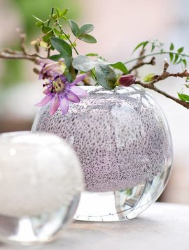 DutZ Ball white bubble vases