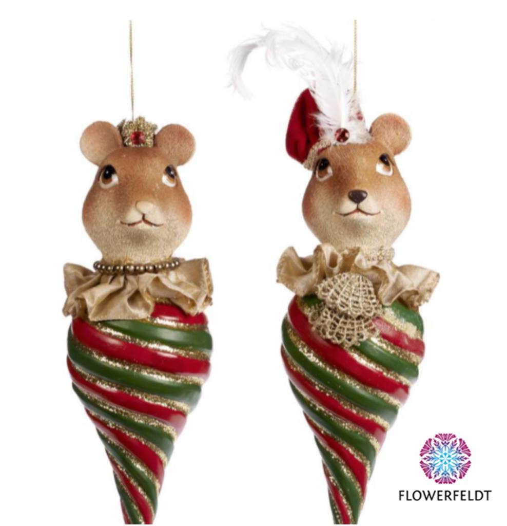 Funny mouse couple