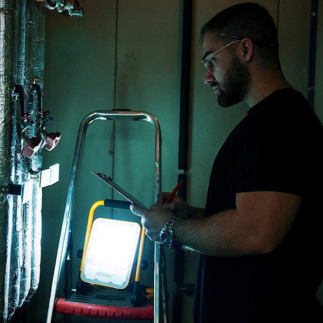 LED Bouwlamp op Accu - Verstelbaar | Water- & stofdicht | 4 lichtstanden | Oplaadbaar via USB