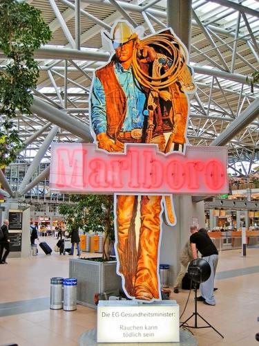 Marlboro Man reclame in Hamburg