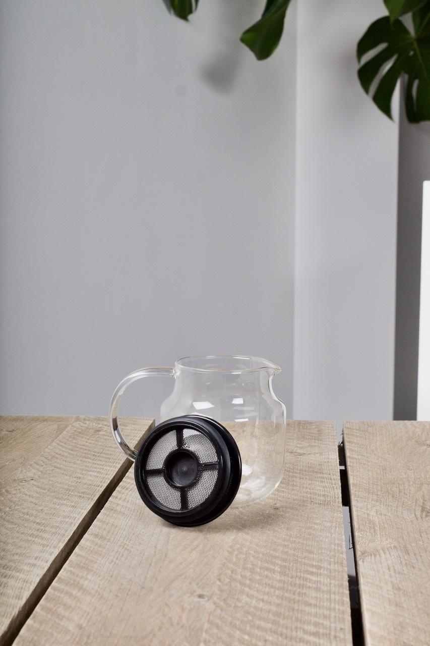 Shirotani tea pot with filter (620 ml)