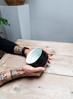 Porcelain Matcha bowl - ribble matt black/white
