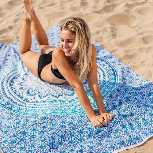 Rechthoekig groot hip roundie strandlaken met leuke print!