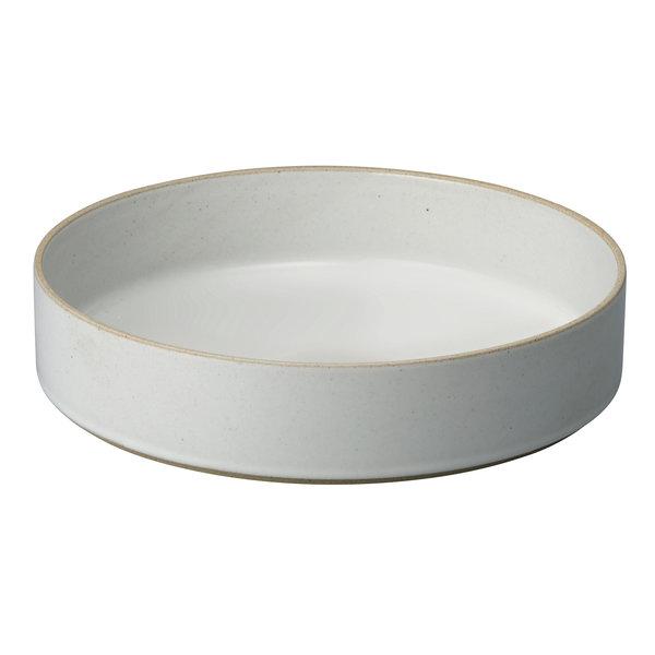 hasami porcelain hasami zylindrische schale | Ø 25,5 cm, h 5,5 cm | hellgrau glänzend glasiert – design takuhiro shinomoto