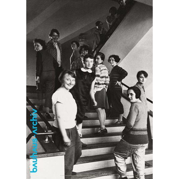 bauhaus-shop poster: weberinnen auf der bauhaus-treppe von t.lux feininger