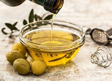 Olie, azijn en kruiden