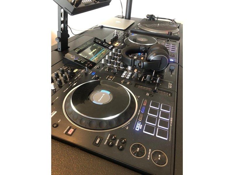 qb Desk Radius XL